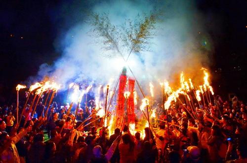 清境火把節象徵部落團結,薪火相傳。(攝影:清境旅遊資訊網)