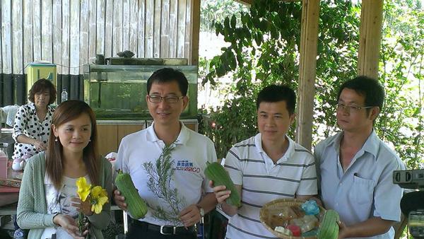 魚池旅遊-2013黃金花海節推頭社絲瓜養生美容體驗行程。(陳惠美攝)